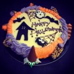 Torta di Halloween con decori personalizzati